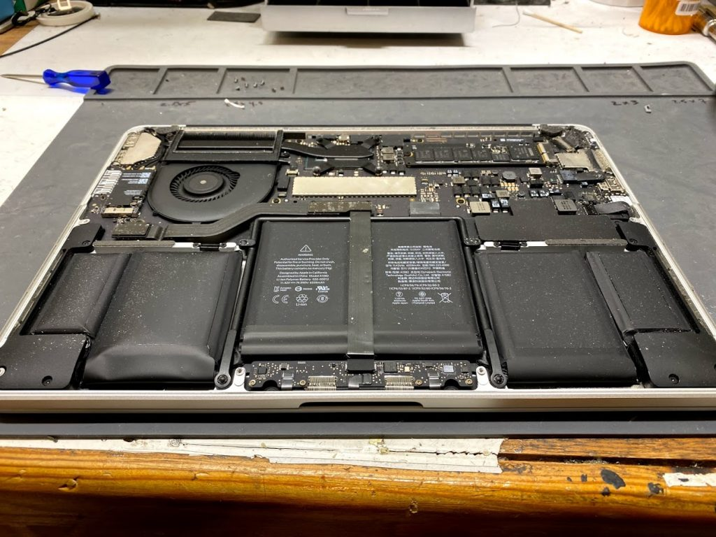macbook swelled battery